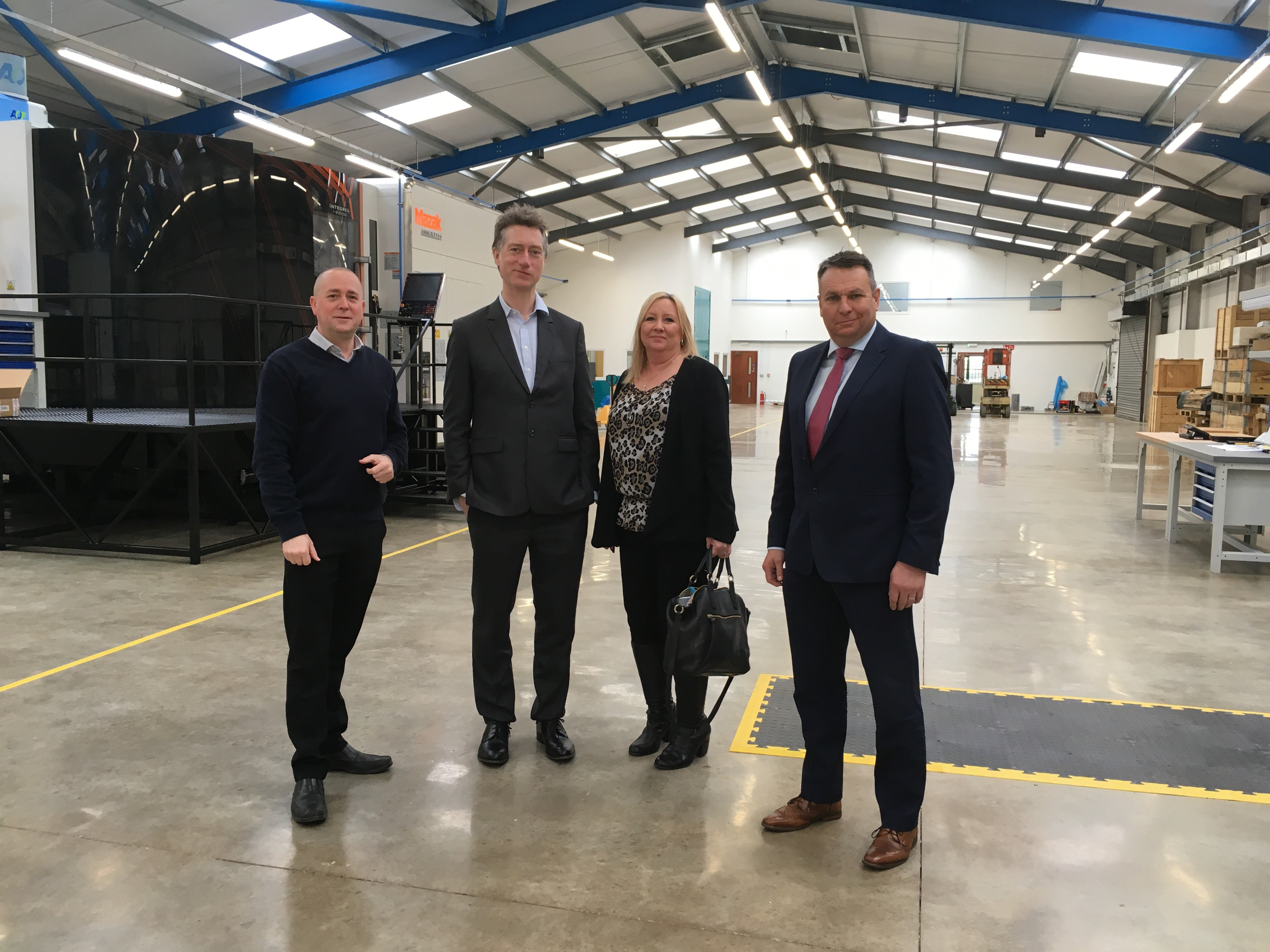 Lontra business grows